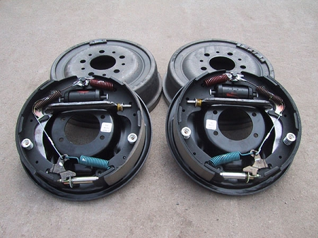 Ford 9 Inch Drum brake kit